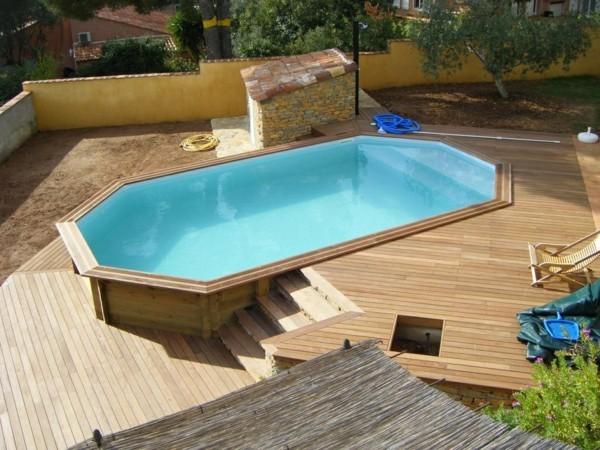 piscine tubulaire avec terrasse
